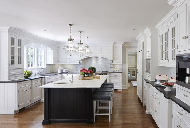 Traditional Kitchen by Wright McKnight Designs