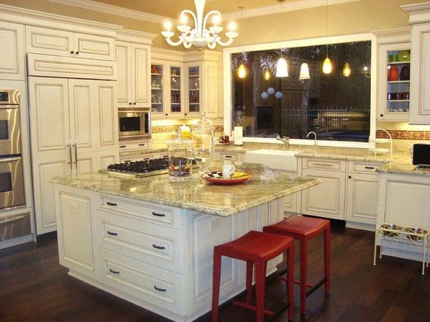 Классический Кухня by Elaine Morrison Interiors