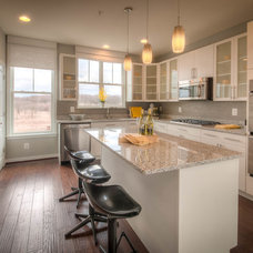 Modern Kitchen by Wormald Homes at Monocacy Park