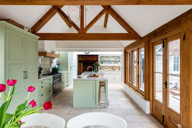Country Kitchen by Herringbone Kitchens