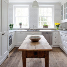 Traditional Kitchen by Stephen Graver Ltd