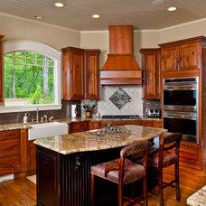 Craftsman Kitchen by Dillard-Jones Builders, LLC