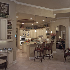 Traditional Kitchen by Lendry Homes