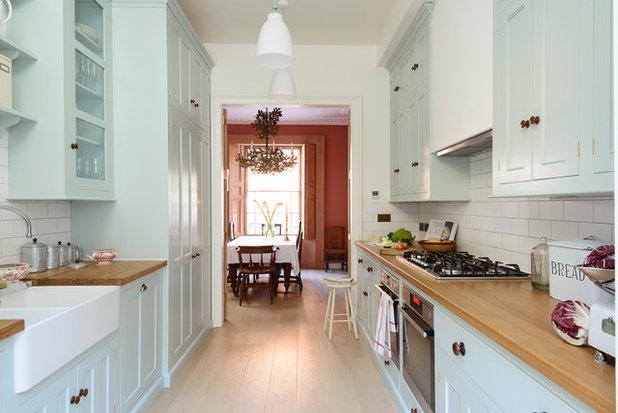 Traditional Kitchen by deVOL Kitchens
