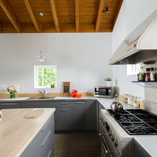 Contemporary Kitchen by CULTivation D.S