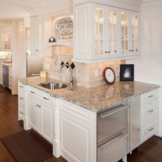 Traditional Kitchen by Don Justice Cabinet Makers
