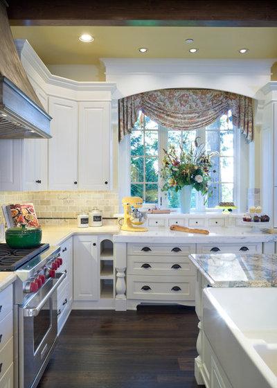 Traditional Kitchen by Alan Mascord Design Associates Inc