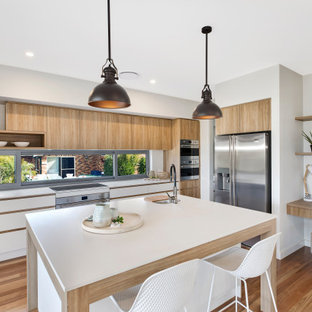 Design ideas for a contemporary kitchen in Wollongong.