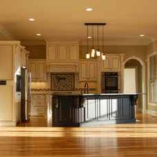 Traditional Kitchen by Donald A. Gardner Architects