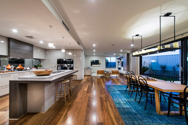 Contemporary Kitchen by Grandwood by Zorzi