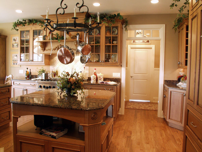 Traditional Kitchen by John Hall Custom Homes
