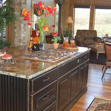 Modern Kitchen by B.L. Rieke Custom Home Builders