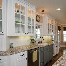 Craftsman Kitchen by Donald A. Gardner Architects