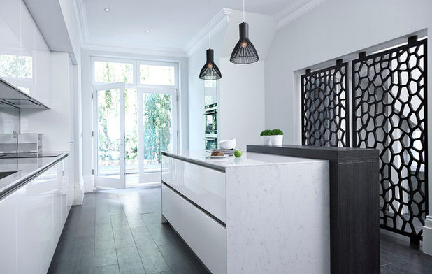 Contemporary Kitchen by Boscolo Internal Design