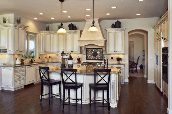 Traditional Kitchen by Celebrity Communities