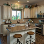 Country Kitchen - Traditional - Kitchen - Atlanta - by ...