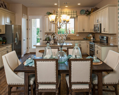 example of a classic eatin kitchen design in phoenix