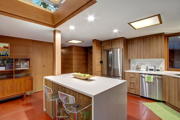 Midcentury Kitchen by LimeLite Development