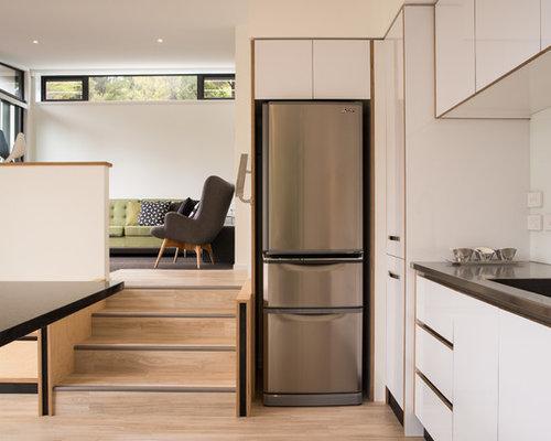 cuisine avec une cr dence en feuille de verre et un vier de ferme photos et id es d co de. Black Bedroom Furniture Sets. Home Design Ideas