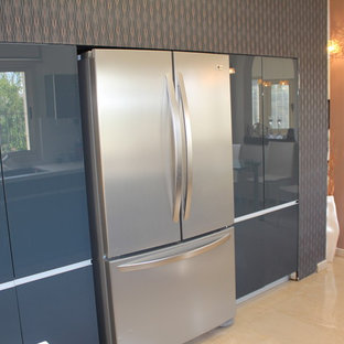 Eclectic kitchen appliance - Kitchen - eclectic kitchen idea in Tel Aviv
