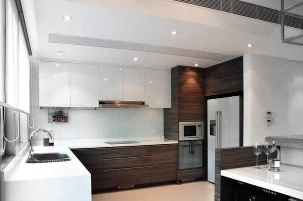 Contemporary Kitchen by S.I.D.Ltd.