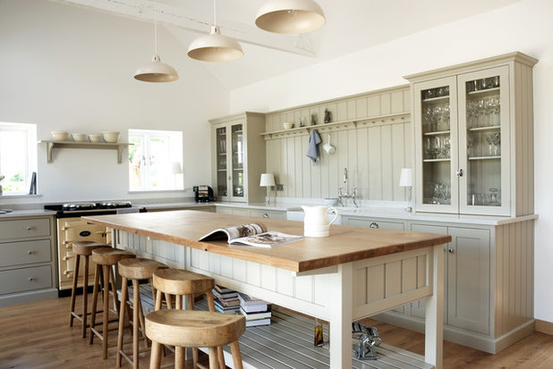 Country Cucina by deVOL Kitchens