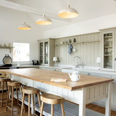 Farmhouse Kitchen by deVOL Kitchens
