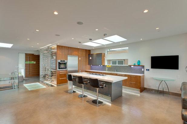 Modern Kitchen by KBC Developments