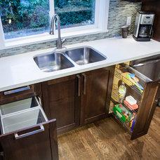 Transitional Kitchen by TQ Construction Ltd