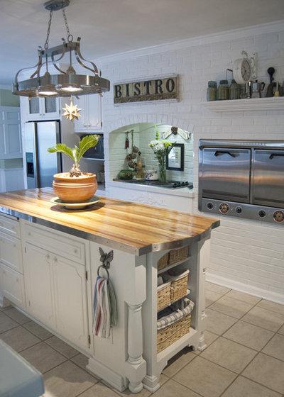 Traditional Kitchen by Adrienne DeRosa