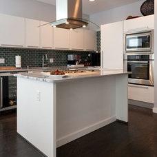 Modern Kitchen by theworKshop design studio