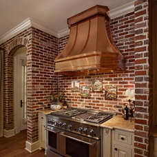 Traditional Kitchen by General Shale
