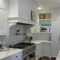 Traditional Kitchen by Laurence Chivers