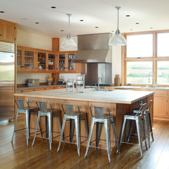contemporary kitchen by Northworks Architects and Planners