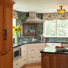 Traditional Kitchen by Thomas Buckborough & Associates