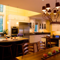 Traditional Kitchen by Meyer & Meyer, Inc.