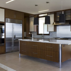 Contemporary Kitchen by Sutton Suzuki Architects