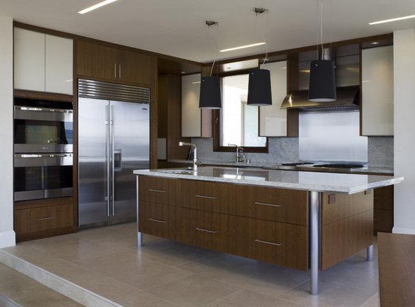 Contemporary Kitchen by Sutton Suzuki Architects