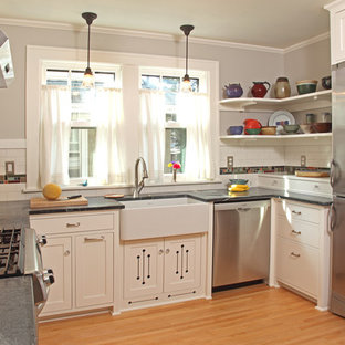 Tidy Bungalow Kitchen