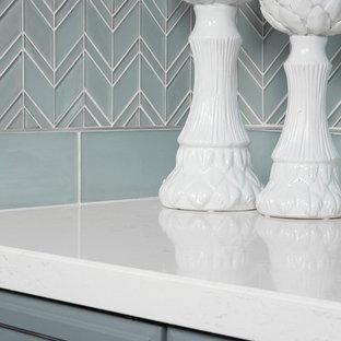 デンバーのトラディショナルスタイルのおしゃれなキッチンの写真