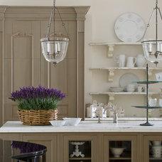 Traditional Kitchen by YAWN design studio, inc. FL IB 26000604