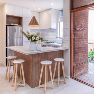 Timber & White Contemporary Compact Kitchen