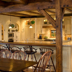 traditional kitchen by Robert Hawkins