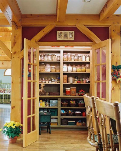 Photo Flip: 80 Pretty And Practical Pantries