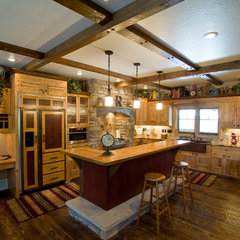 traditional kitchen by Frontier Builders, Inc.