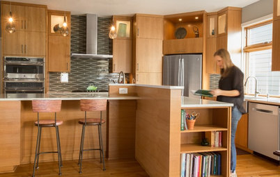Warm Midcentury Vibe Takes Over a 2002 Spec Kitchen