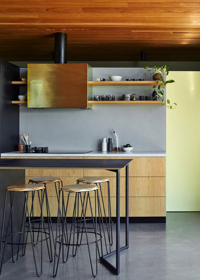 Industrial Kitchen by sw-architects