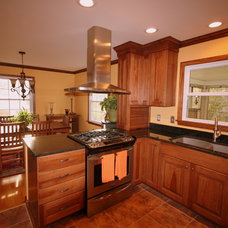 Traditional Kitchen by Andrea's Kitchens Plus Interior Design