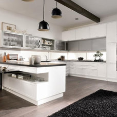 Contemporary Kitchen by Aster Cucine