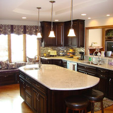 Traditional Kitchen by Straight A Builders, Inc.